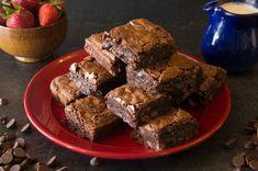 Gerçek Brownie Tarifi, Nasıl Yapılır? - Yemek.com Tasty Chocolate Cake, Cheesecake Brownies, Food Cakes, Pistachio, Cake Recipes, Menu, Make It Yourself, Cooking, Desserts