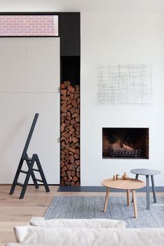'Minimal Interior Design Inspiration' is a biweekly showcase of some of the most perfectly minimal interior design examples that we've found around the web - Interior Design Examples, Interior Design Inspiration, Design Ideas, Edwardian Haus, Clutter Free Home, Small Space Solutions, Australian Homes, Fireplace Design, Modern Fireplace