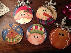 Pin by The Artist's Club on Ornaments Galore Christmas Wood Crafts, Christmas Rock, Painted Christmas Ornaments, Primitive Christmas, Christmas Projects, Holiday Crafts, Christmas Decorations, Christmas Holiday, Christmas Drawing