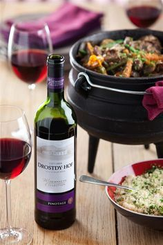 Our lamb potjie recipe is the perfect dish to prepare for a cold winter evening - Witer dishes - Oxtail Recipes Braai Recipes, Oxtail Recipes, Lamb Recipes, Slow Cooker Recipes, Wine Recipes, Cooking Recipes, South African Dishes, South African Recipes, Ethnic Recipes