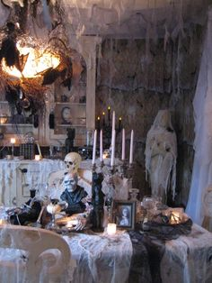 love the cheesecloth and if you look close it looks as halloween displayhalloween decorating - Cheesecloth Halloween Decorations