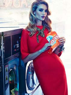 """Rosie Huntington-Whiteley in """"Exceso Dia A Dia"""" by James Macari for Vogue Mexico, November 2014"""