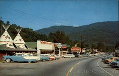 Street Scene Cherokee North Carolina #DiscoverNativeAmerica #AIANTAEastern