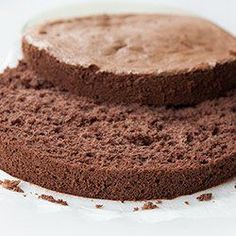 Sponge cake gluten-free - Recipe, made with rice flour, cocoa, sugar, and eggs. Gluten Free Sweets, Gluten Free Cakes, Gluten Free Baking, Vegan Gluten Free, Gluten Free Recipes, Other Recipes, Raw Food Recipes, Cooking Recipes, Kinds Of Desserts