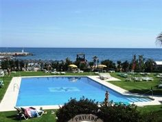 Google Image Result for http://photocdn.spain-holiday.com/rental-homes-photos-spain/255033-14892-Cabopino-Apartment.jpg