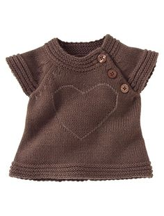 This couldn't be that hard to make a pattern for! Romantischer Pullover from http://www.vertbaudet.de