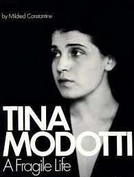 Tina Modotti (August 16 (or 1896 – January was an Italian photographer, model, actress, and revolutionary political activist for the Komintern. Tina Modotti, Clemente Orozco, Edward Weston, Contemporary Photographers, Italian Artist, Fine Art Photo, Silent Film, Book Photography, Old Pictures