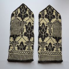 Ravelry: Johnlock Mittens (Sherlock tribute) pattern by Therese Sharp