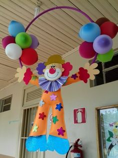 Palhaço em eva 2D no Elo7 | Artes e Mimos Jaine (CA79B3) Clown Crafts, Circus Crafts, Carnival Crafts, Carnival Themes, Decoration Cirque, Circus Decorations, School Decorations, Birthday Decorations, Carnival Birthday Parties