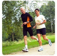 Door uw botten te belasten houdt u ze langer sterk. Via beweging remt u de botafbraak die osteoporose veroorzaakt. Een tweede voordeel is dat uw spieren sterker worden als u regelmatig beweegt. Daardoor blijft u sterker en behendiger. Zo voorkomt u valpartijen en dus ook botbreuken.  #bewegen #AfvallenUtrecht #Gewichtsconsulent_LeidscheRijn