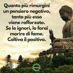 Scarica gratis belle Immagini e condividile su Facebook e Whatsapp Words Quotes, Sayings, Motivational Quotes, Inspirational Quotes, Italian Quotes, Magic Words, Cool Words, Life Lessons, Quotations