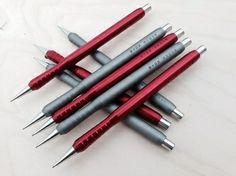 Spoke Inverse - aluminum mechanical pencil.  www.spoke-design.com Moleskine, Fine Point Pens, Luxury Pens, Pencil Design, Pens And Pencils, Best Pens, Writing Pens, Dip Pen, Mechanical Pencils