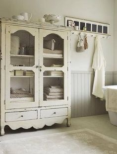 Shabby Chic Decor elegant and comfortable inspirations - Eye Catching decor tricks. simple shabby chic decor nice and canny example id imagined on this day 20181229 , Bad Inspiration, Bathroom Inspiration, Bathroom Ideas, Design Bathroom, Bath Ideas, Bathroom Interior, Apartment Interior, Bathroom Renovations, Bathroom Stuff