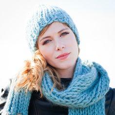 Baby it's cold outside - hat with border, hand gebreid door Veronique Leysen – MAURICE KNITWEAR
