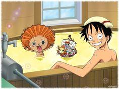 Luffy tomando un baño con Chopper