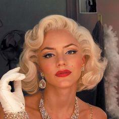 "Katherine McPhee as Marilyn Monroe from ""Smash"". Gorg.eous."