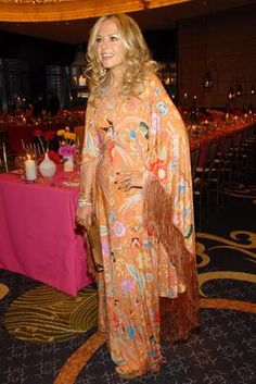 Image from http://www.thelovecollage.com/wp-content/uploads/2010/04/rachel-zoe-caftan.jpg.
