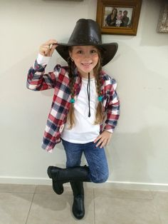 7 year old creates cowgirl costume kids craft pinterest cow girl cow girl outfit cow girl costume school free kids solutioingenieria Gallery