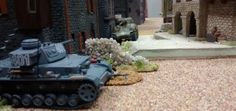 66: Endlich hat der Kommandant des Panzer IV verstanden, was benötigt wird. Er geht den M4A1 Sherman an.