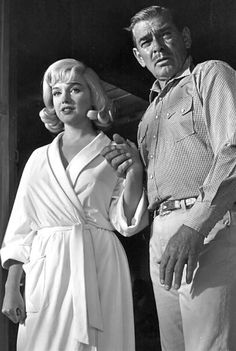 Marilyn and Clark Gable on the set of The Misfits, 1960.