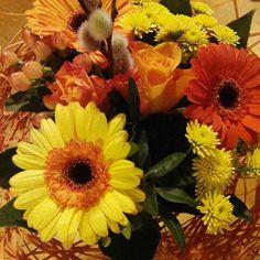 #kukkakimppu #gerbera #ruusu #pajunkissa #kevät #liisako #vanhat tavarat