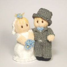 """The+Bitsy+Babies+are+getting+married. Bitsy+Bride+looks+so+sweet+with+her+bouquet+of+""""Forget-me-not""""+flowers;+she+even+tucked+a+spare+flower+into+her+hair. Her+Groom+feels+very+posh+in+his+smart+suit,+top+hat+and+blue+bow+tie  These+sweet+characters+would+make+a+thoughtful+wedding+gift+or+keepsake;+they+could+even+be+used+as+wedding+cake+toppers! They+are+easy+to+personalise+just+by+changing+the+eye+or+hair+colour,+and+of+course+using+the+wedding+party+colour+theme+for+the+flowers+and..."""