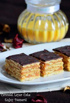 as minca o felie de tort diplomat zice petruta dinu Healthy Tips, I Foods, Creme Caramel, Deserts, Pie, Sweets, Cream, Baking, Ethnic Recipes