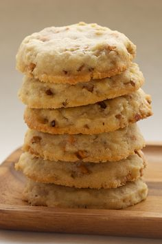 Butterscotch Pecan Sandies add a rich burst of flavor to these traditional nutty cookies. - Bake or Break