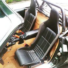 @pavelkirkov #lotus #seats #probax / @vladi_gorbunov | #TopMiata #mazda #miata #mx5 #eunos #roadster
