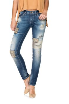 64f3ad794d Jeans Push Up Wonder 1st Level com patchwork de cor
