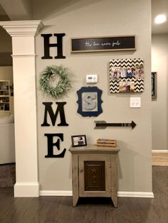 Nice 80 Inspiring DIY Farmhouse Wall Decorations Ideas On A Budget https://bellezaroom.com/2018/04/16/80-inspiring-diy-farmhouse-wall-decorations-ideas-on-a-budget/