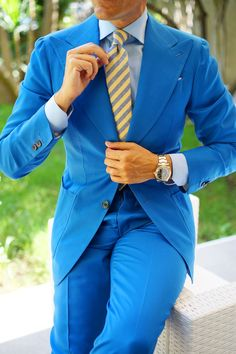 You could possibly refrain from speculating over what you should wear to work to have a look as stylish since you do outside the workplace. Preppy Homecoming, Homecoming Outfits For Guys, Blazer Fashion, Mens Fashion Suits, Mens Suits, Stylish Work Outfits, Business Casual Outfits, Fashionable Outfits, Dressy Outfits