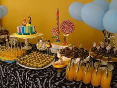 esBOSSAndo Idéias: festa do ...yellow submarine..