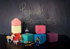 Pequeños arquitectos: Juego de apilables con bloques de palet