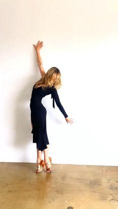 Shakira Dance, Bachata Dance, Tango Dance, Yoga Dance, Dance Choreography, Dance Moves, Dancer Workout, Dance Workout Videos, Dance Videos