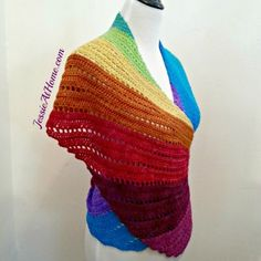 After designing the Skylark scarf, I had a few ideas for a spin~off. Now with Frabjous Fibers I have brought the idea to life in this free crochet pattern.