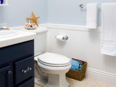 Small Beach Themed Bathrooms | Knowing your options for coastal bathroom designs will help you make ...
