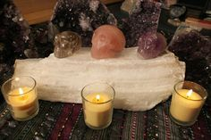 Full Moon Meditation Full Moon Meditation, Crystal Resin, Resins, Tea Lights, Rocks, Candles, Crystals, Ethnic Recipes, Food