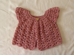 Crochet Shell Stitch Baby / Girl's Cardigan door WoolyWondersCrochet