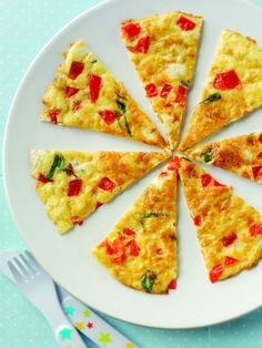 A deliciously light and super-easy recipe to wake up your baby's tastebuds. A serving of light, fluffy slices of omelette, complete with creamy cheese and peppery basil to create a tasty baby omelette. Egg Recipes, Baby Food Recipes, Toddler Recipes, Chef Recipes, Recipies, Baby Led Weaning, Fingerfood Baby, Weaning Foods, Omelette Recipe