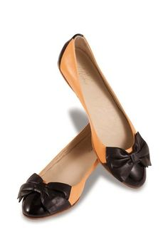 Bow Flat Shoe. love the color, love the bow