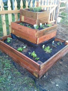 Tiered Herb garden, DIY, salvage, distractingdebbie