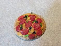 miniature pizza, polymer clay, miniature food