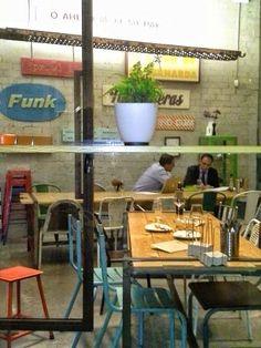 Bar & Kitchen, Merca