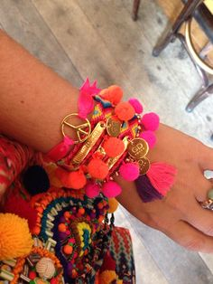 Colors colors colors!! Georgeous Design Ibiza armcandy #friendship #bracelet #georgeousdesign #ibiza #colors #peace #inspiration #tassels #gold #hippie #chic