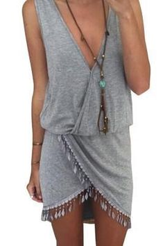 Grey Casual Deep V-neck Sleeveless High Thigh Slit Up Bodycon Dress Specifications Size Type Regular Pattern Solid Decoration Tassel Neckline V-neck Sleeve Length Sleeveless Length Above knee Style Casual, Sexy Occasion Summer, Beach Package Each Piece In One PP Bag Size S, M, L, XL Color Grey Category Bodycon Dress Upload Date 2015-07-27 Detail This dress with a casual design, you can wear it to go to shopping or beach. Features: 1. deep V-neck shows your pretty breast very well…