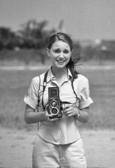 Two of my most favorite things, Natalie Portman and Black and White photography Pretty People, Beautiful People, Simply Beautiful, Mathilda Lando, Girls With Cameras, Photo Vintage, Liam Neeson, Look Girl, Actrices Hollywood