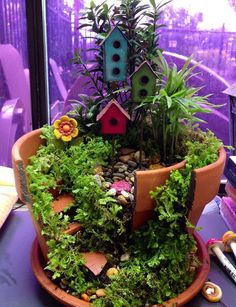 DIY Broken Clay Pot Fairy Garden Ideas #Gardening, #Art