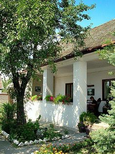 Gang in Vojvodina Village House Design, Village Houses, Kerala Traditional House, Low Budget House, Serbia Travel, Minimalist Home Interior, Tropical Houses, House Goals, My Dream Home