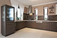 Modern konyha capuccino és krém színben - Modern konyha capuccino és krém szinekben Kitchen Room Design, Kitchen Ideas, New Homes, Kitchen Cabinets, House Design, Modern, Home Decor, Dreams, Home